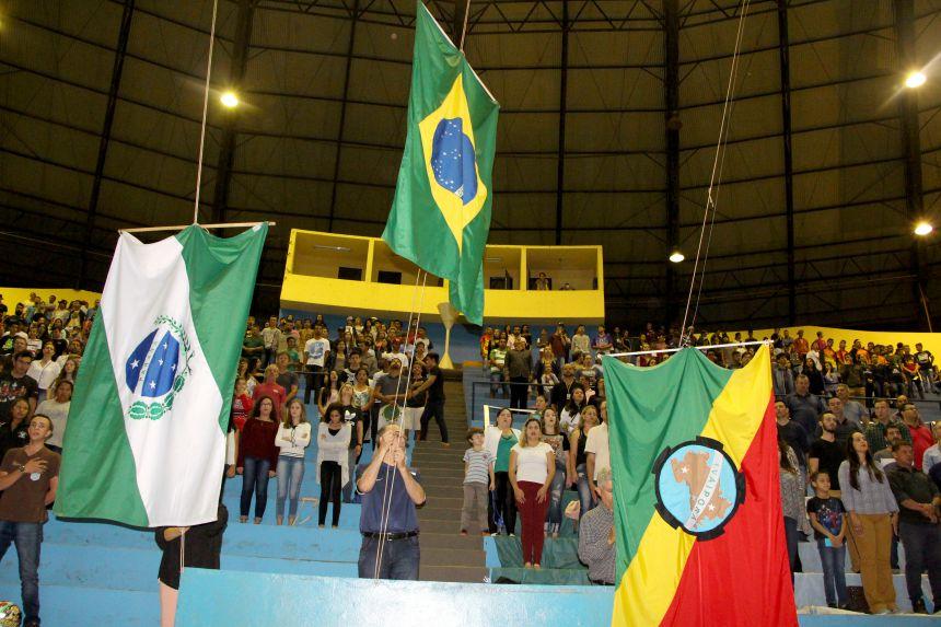 Ivaiporã recebe cerca de 1.300 atletas que irão disputar fase regional do 65º Jogos Escolares do Paraná
