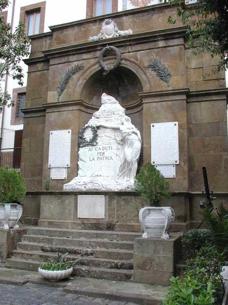 https://i1.wp.com/www.controluce.it/vecchio/images/stories/Monte_Compatri/monumenti/115-m.-caduti-33.jpg?w=900