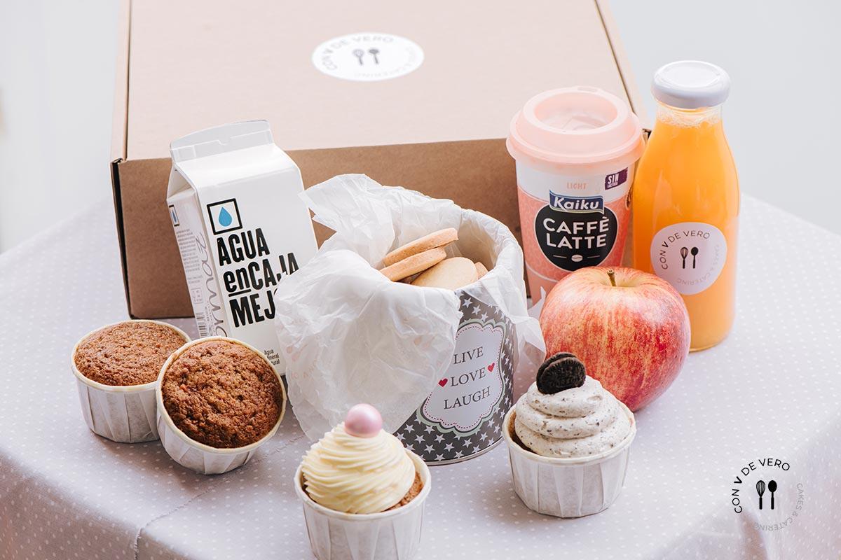 Caja desayuno dulce, desayunos para empresas, desayunos en la cama, desayunos para regalar, desayunos en caja en Barcelona