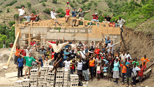 Convergint Colleagues in Haiti lending a hand header image