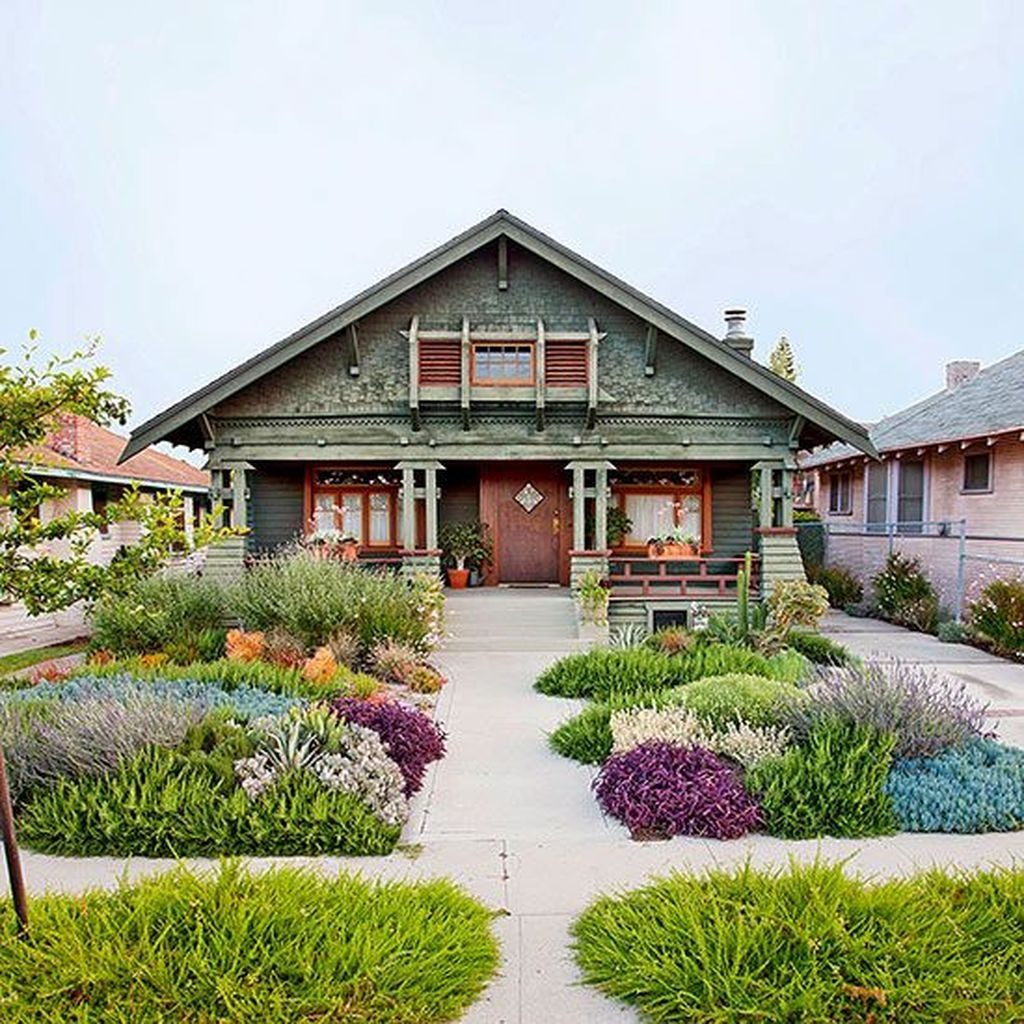 Gorgeous Front Yard Courtyard Landscaping Ideas 36