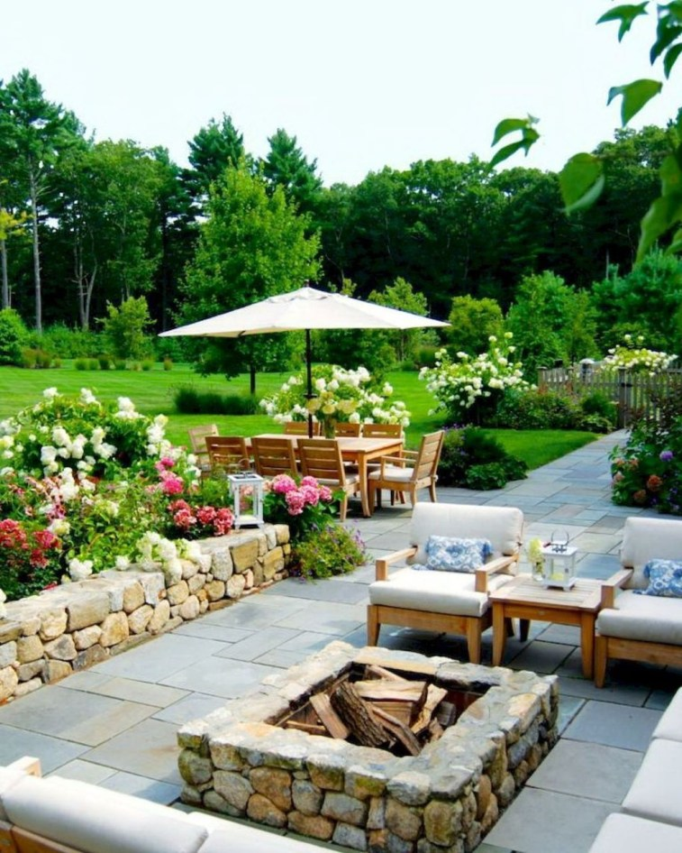 Amazing Backyard Seating Design Ideas 36