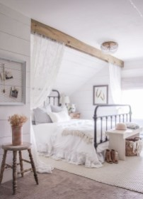 Awesome Farmhouse Style Master Bedroom Ideas 13