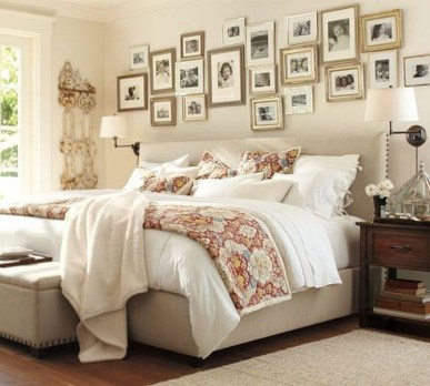Cozy Gallery Wall Decor Ideas For Bedroom 10