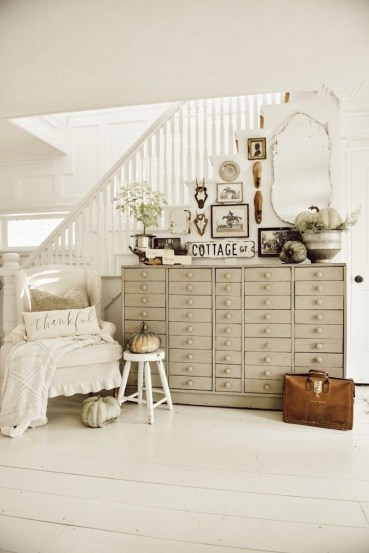 Fantastic Simple Farmhouse Home Decor Ideas 26