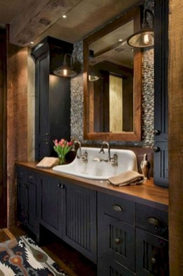 Gorgeous Rustic Farmhouse Bathroom Decor Ideas 27