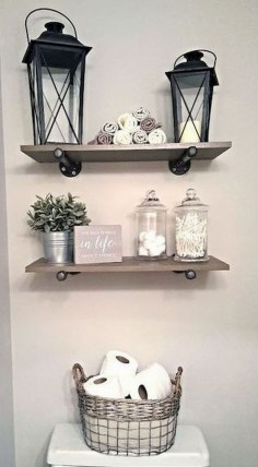 Gorgeous Rustic Farmhouse Bathroom Decor Ideas 45