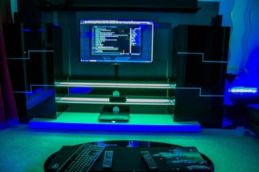 Unique Gaming Desk Computer Setup Ideas 24