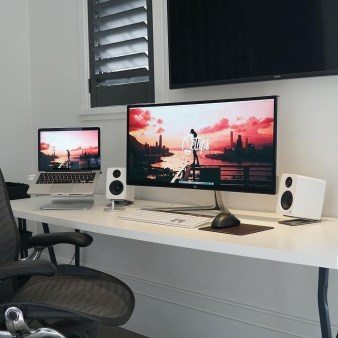Unique Gaming Desk Computer Setup Ideas 30