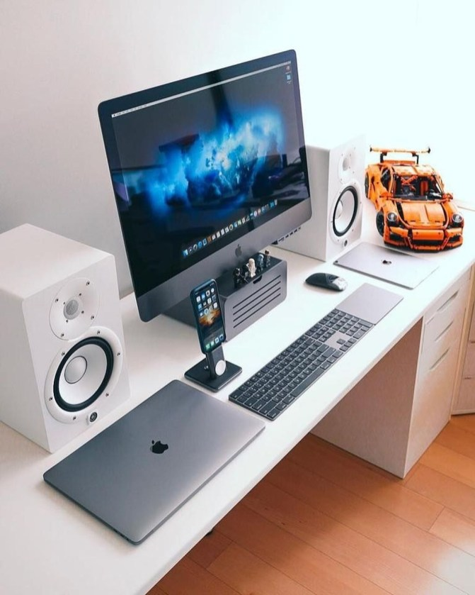 Unique Gaming Desk Computer Setup Ideas 37