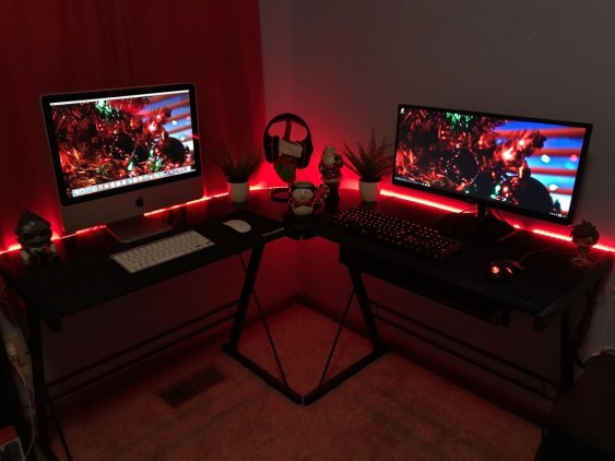 Unique Gaming Desk Computer Setup Ideas 49