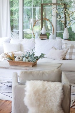 Lovely White Fall Decor Ideas For Interior Design 45