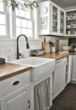 Stunning Farmhouse Kitchen Color Ideas 51