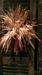 Stylish Fall Wreaths Ideas With Corn And Corn Husk For Door 15