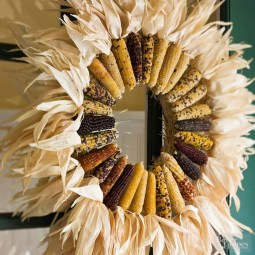 Stylish Fall Wreaths Ideas With Corn And Corn Husk For Door 24
