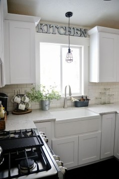 Unique Farmhouse Lighting Kitchen Ideas 22