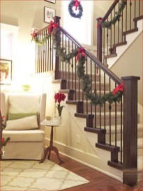 Beautiful Christmas Stairs Decoration Ideas 34