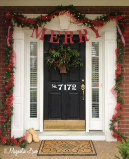 Brilliant Christmas Front Door Decor Ideas 24