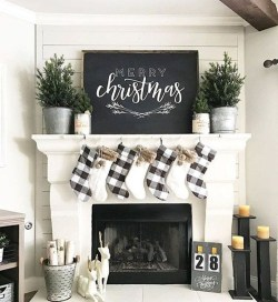 Cozy Rustic Outdoor Christmas Decor Ideas 02