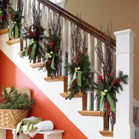 Gorgeous Ways To Decorate Your Stairs In This Christmas Ideas 15