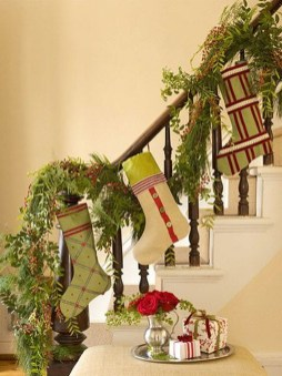 Gorgeous Ways To Decorate Your Stairs In This Christmas Ideas 45