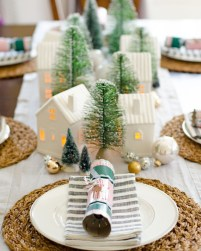 Inspiring Christmas Centerpiece Ideas 14