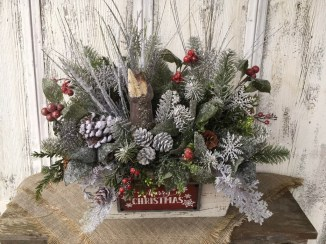 Inspiring Christmas Centerpiece Ideas 37
