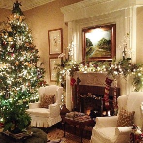 Lovely Traditional Christmas Decorations Ideas 21