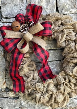 Magnificient Rustic Christmas Decorations And Wreaths Ideas 36