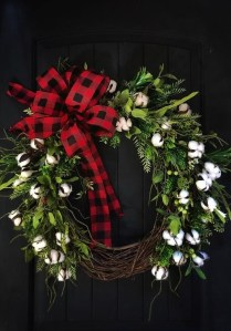 Magnificient Rustic Christmas Decorations And Wreaths Ideas 40