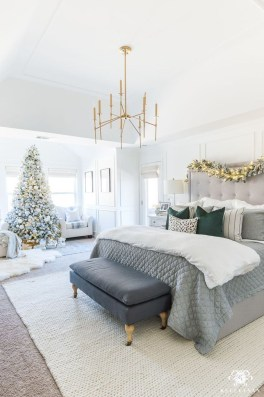 Stunning Christmas Bedroom Decor Ideas 07