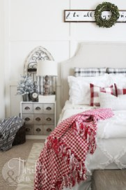Stunning Christmas Bedroom Decor Ideas 18