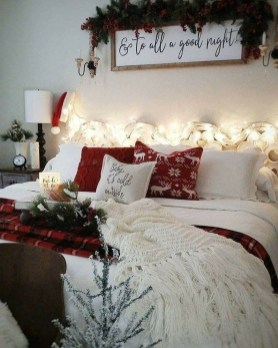 Stunning Christmas Bedroom Decor Ideas 26