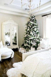Stunning Christmas Bedroom Decor Ideas 30