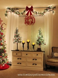Stunning Christmas Bedroom Decor Ideas 31