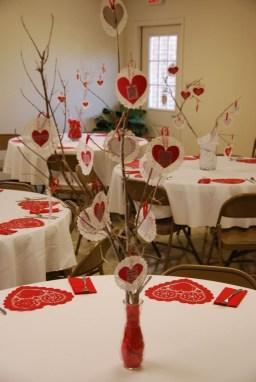 Cute Table Setting Ideas For Valentines Day 17