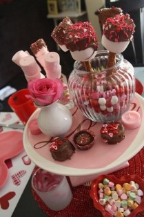 Cute Table Setting Ideas For Valentines Day 42