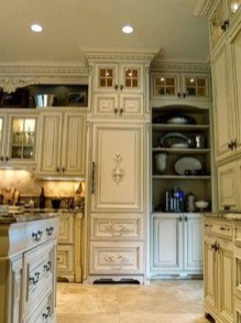 Delightful French Country Kitchen Design Ideas 23