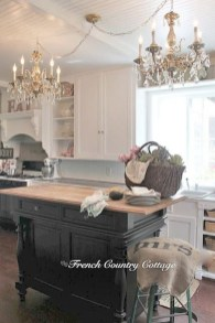 Delightful French Country Kitchen Design Ideas 25