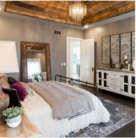 Stylish Farmhouse Bedroom Decor Ideas 01