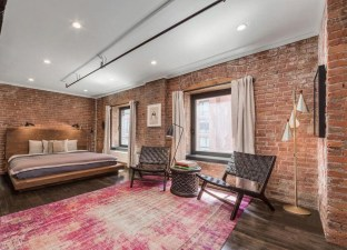 Wonderful Ezposed Brick Walls Bedroom Design Ideas 42