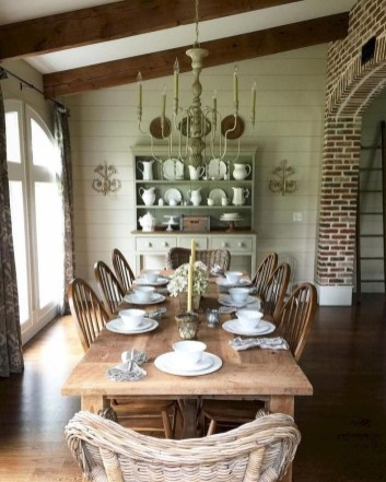 Amazing French Country Dining Room Table Decor Ideas 15