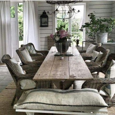 Amazing French Country Dining Room Table Decor Ideas 16