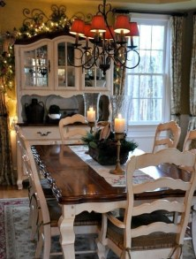 Amazing French Country Dining Room Table Decor Ideas 27