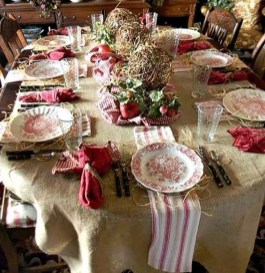 Amazing French Country Dining Room Table Decor Ideas 36