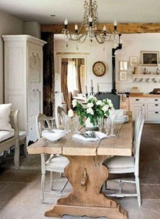 Amazing French Country Dining Room Table Decor Ideas 58