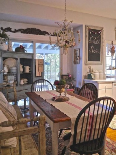 Amazing French Country Dining Room Table Decor Ideas 61