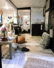 Amazing Travel Trailers Remodel Rv Living Ideas 27