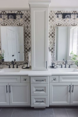 Awesome Master Bathroom Remodel Ideas On A Budget 18