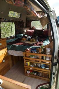 Wonderful Rv Camper Van Interior Decorating Ideas 27